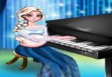 لعبة السا العزف على البيانو